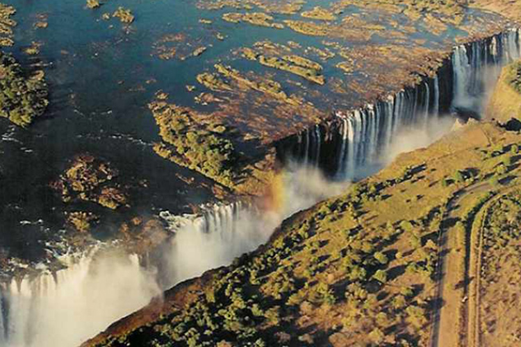 victoria falls malawi-adventures-experiences-malawian-style-holidays-specialist-tour-operator-africa