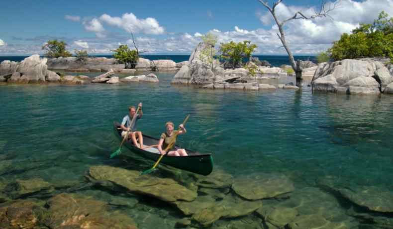 mozambican collection nkwichi-lodge-canoeing-malawi-adventures-experiences-malawian-style-holidays-specialist-tour-operator-zambia-mozambique-africa