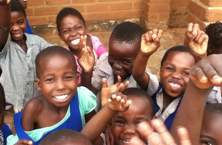 new volunteer programme kids-malawi-adventures-experiences-malawian-style-holidays-specialist-tour-operator-zambia-africa