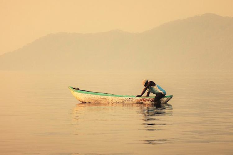 when-visit-malawi-blog-malawian-style-Malawi-boat