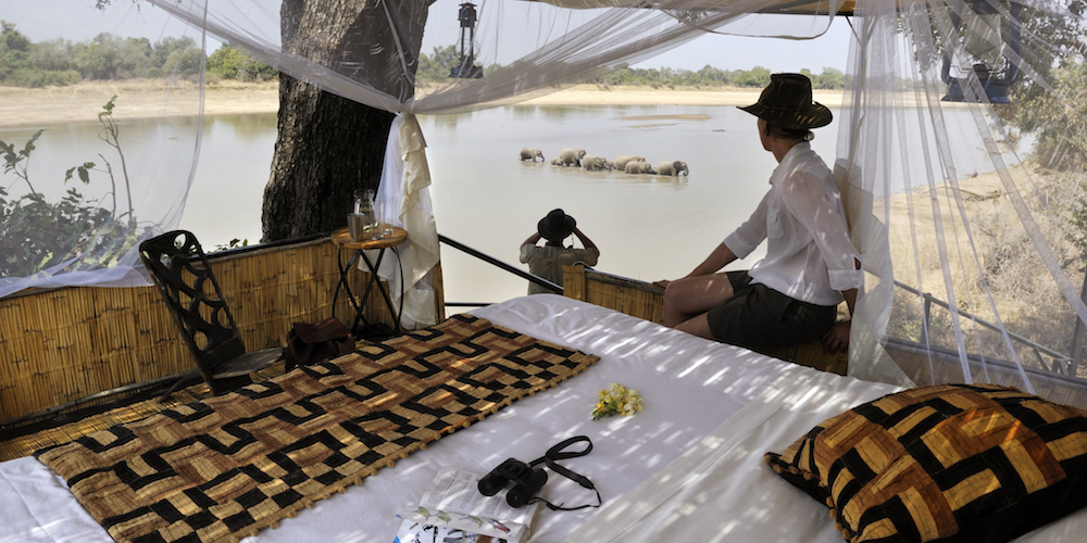 royally-good-honeymoon-malawi-zambia-blog-malawian-style-Kaingo-Ellie-Sleep-Out