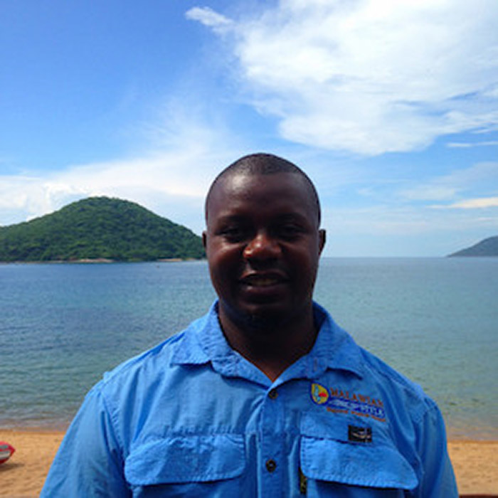 boniface-guide-team-malawian-style-malawi-adventures-experiences-holidays-specialist-tour-operator-safaris-tours-malawi-zambia-south-africa
