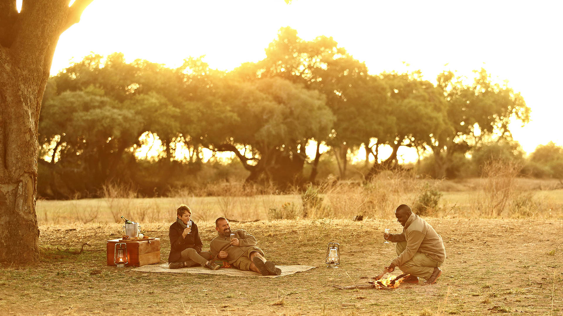 honeymoon-lion-camp-sundowners-malawian-style-malawi-adventures-experiences-holidays-specialist-tour-operator-zambia-mozambique-africa