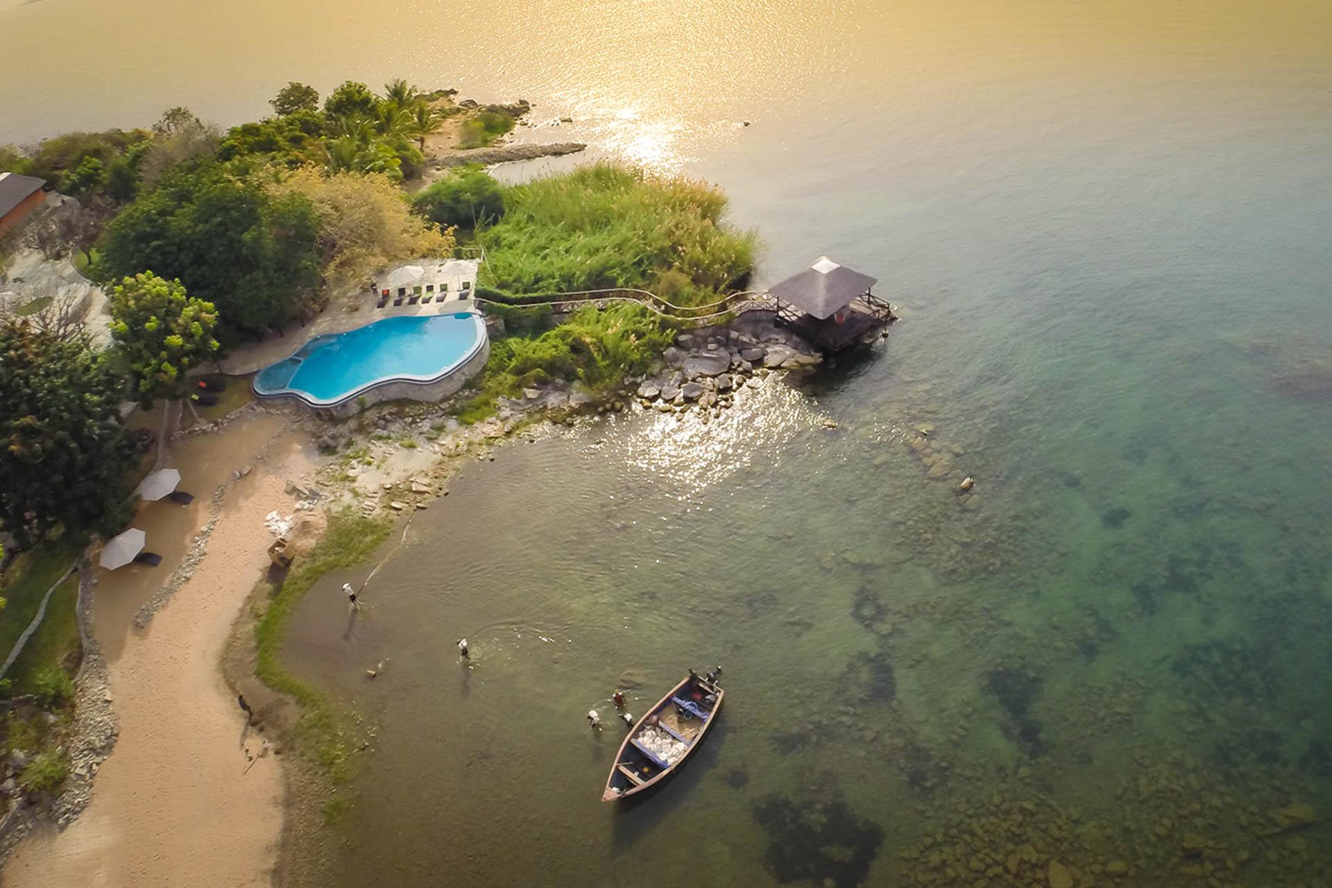 liwonde national park malawian-style-malawi-adventures-experiences-holidays-specialist-tour-operator-blue-zebra-lodge-nankoma-island-view