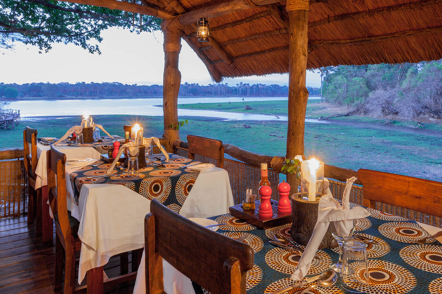southern-adventurer-11-nights-tours-safaris-malawian-style-malawi-adventures-experiences-holidays-specialist-tour-operator-mvuu-camp-liwonde-national-park-dining-area