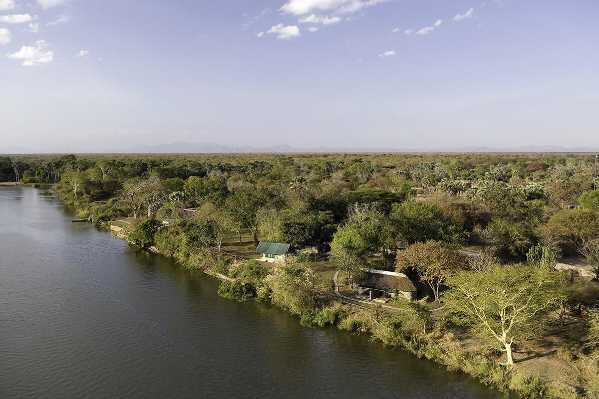 mvuu camp shire-river-banks-lodge-malawi-lodges-malawian-style-malawi-adventures-experiences-holidays-specialist-tour-operator-malawi