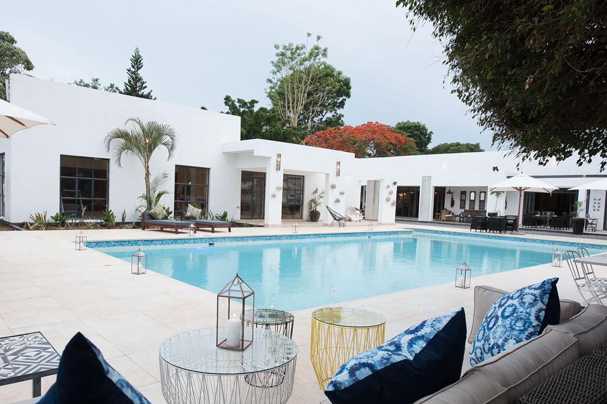latitude 13 hotel lilongwe-malawi-lodges-malawian-style-main-building-pool
