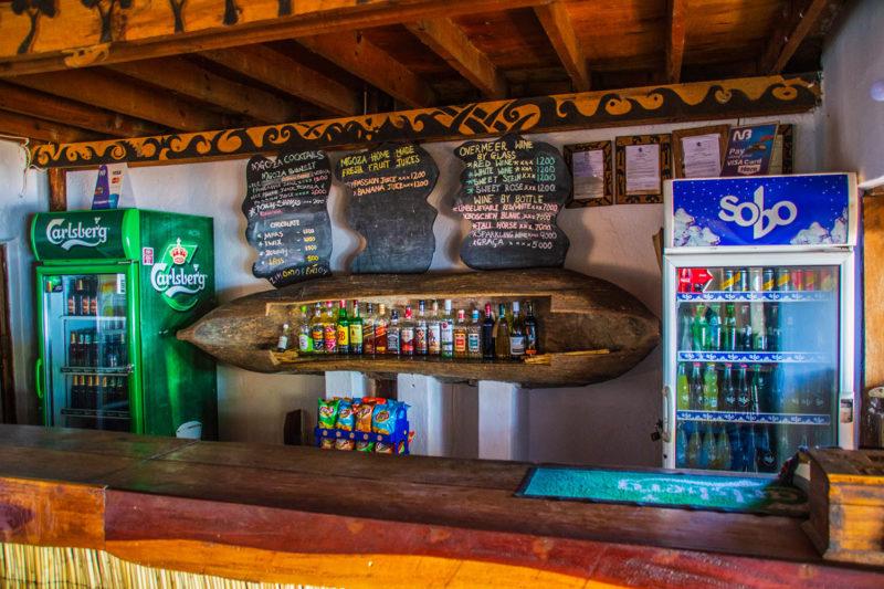 mgoza lodge lake-malawi-lodges-malawian-style-cape-maclear-rustic-accommodation-bar