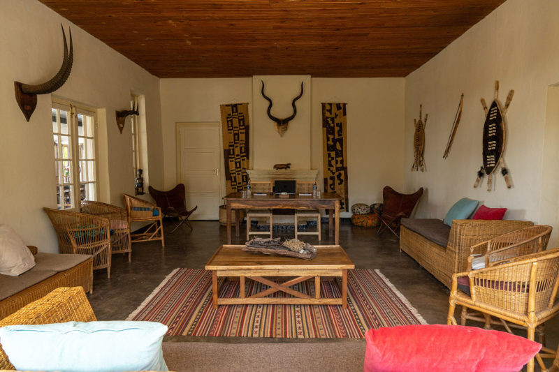 ntchisi forest lodge malawi-lodges-malawian-style-lilongwe-beautiful-scenery-meeting-room