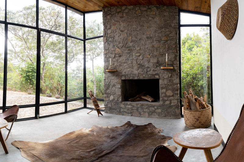 ntchisi forest lodge malawi-lodges-malawian-style-lilongwe-forest-cabin-living-room