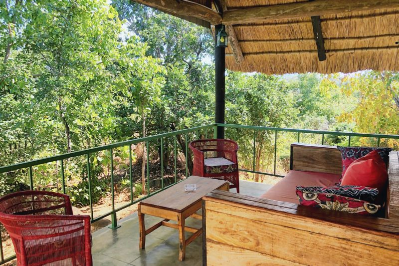 rafiki safari camp - malawi-lodges-malawian-style-nkhotakota-wildlife-reserve-comfortable-chalets-sitting-area